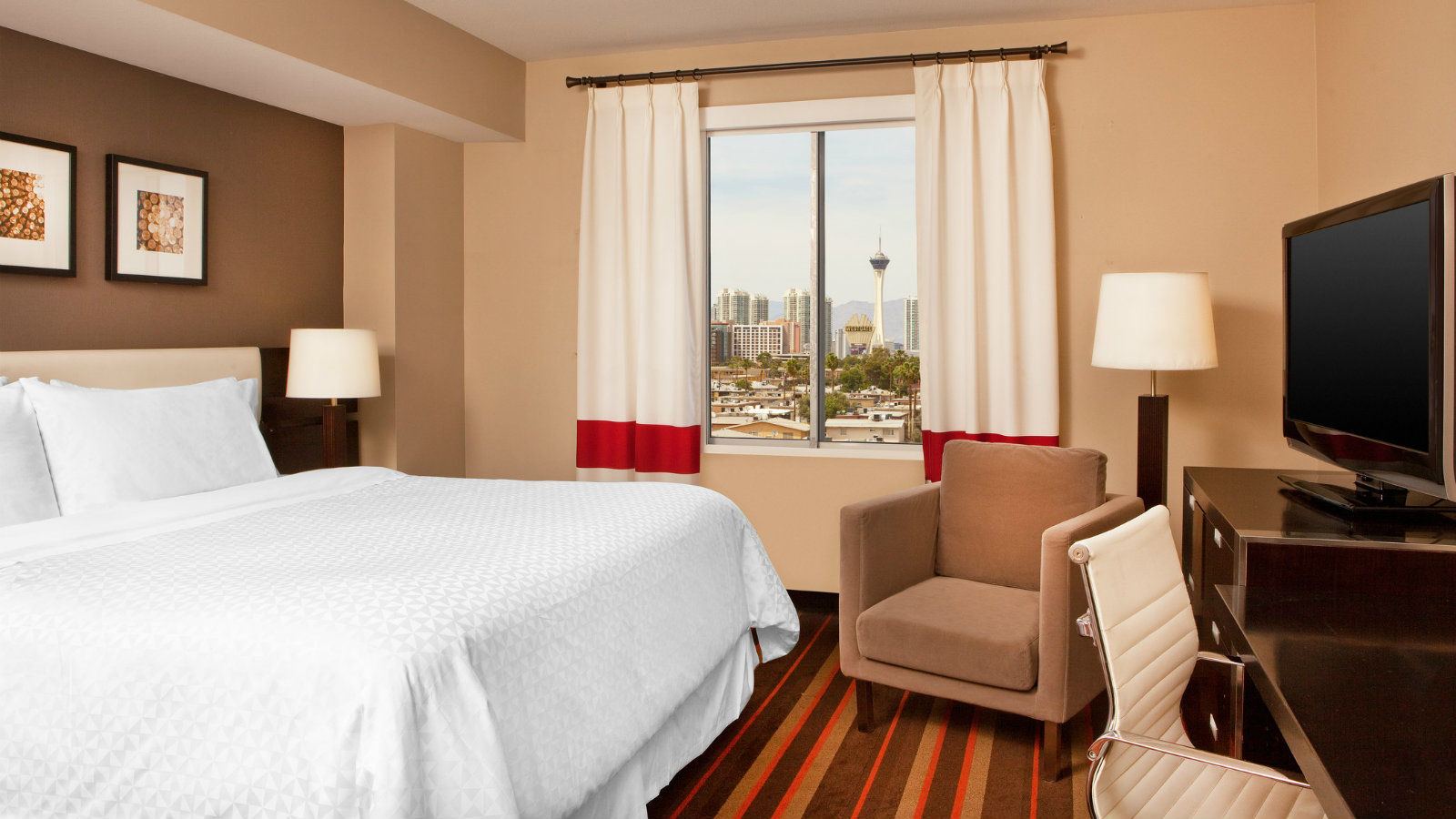 Las Vegas Accommodations - Traditional Guest Room